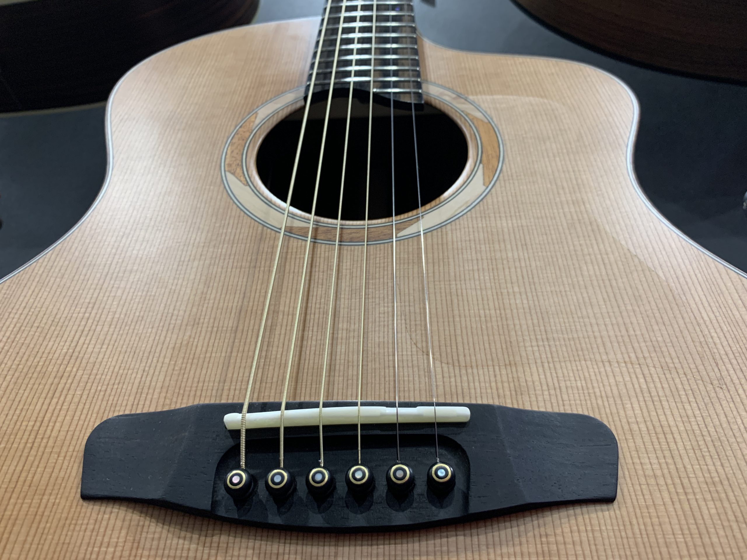 Dowina Westerngitarre GUITAR NERDS